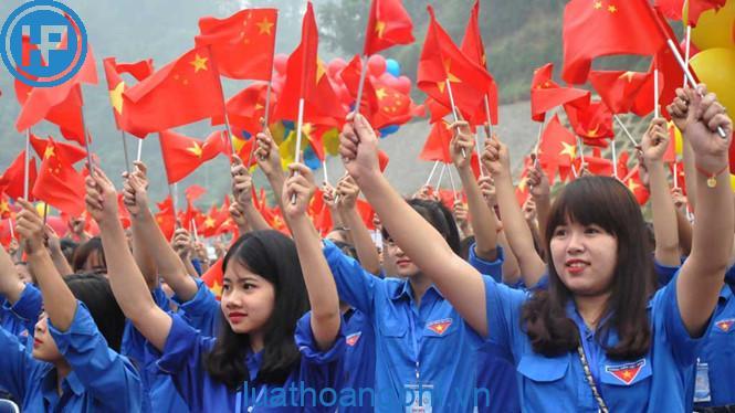 Top trình bày những quan điểm của đảng về công tác thanh niên